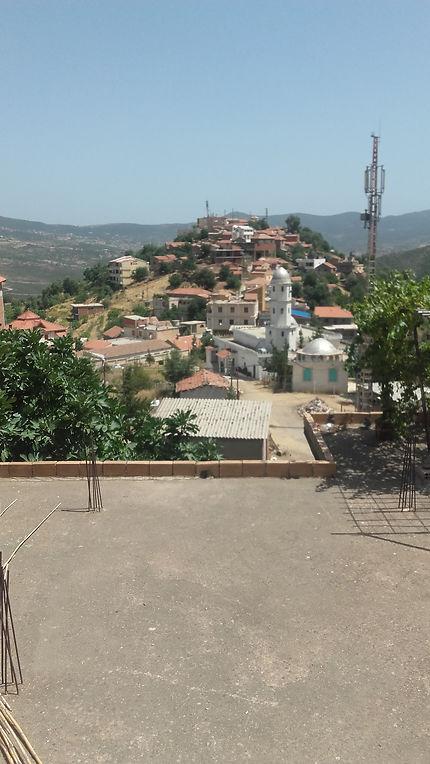 Vue sur le village de Bejaia