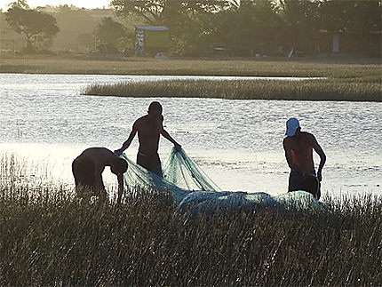Pêcheurs lagune Arembepe