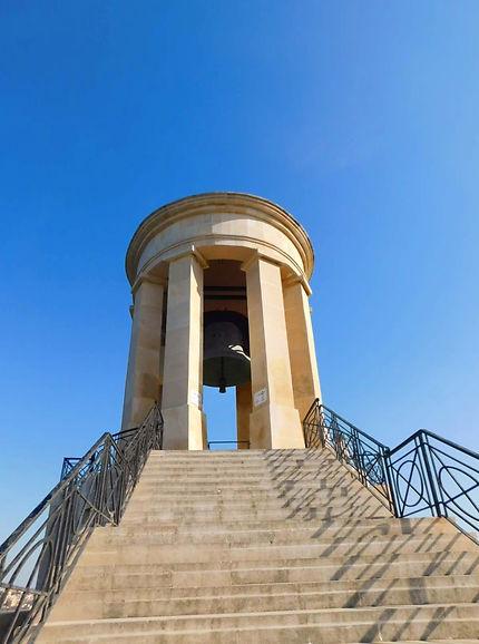The Maltese bell rings