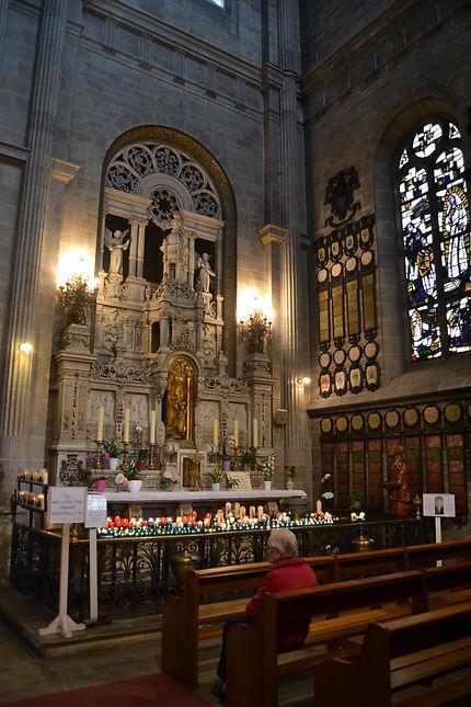 Intérieur de l'abbaye Saint Anne d'Auray