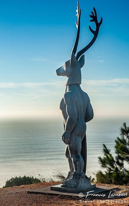 Statue des surfeurs