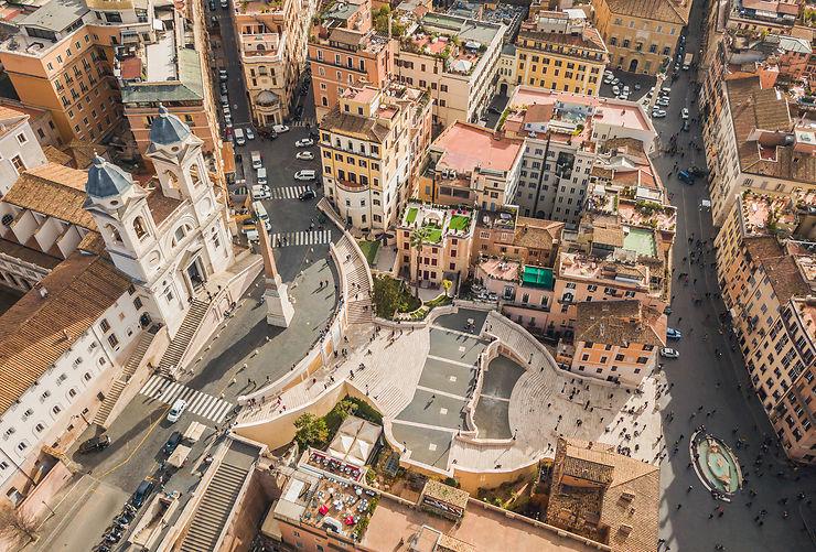 Contempler la piazza di Spagna depuis la Trinità dei Monti