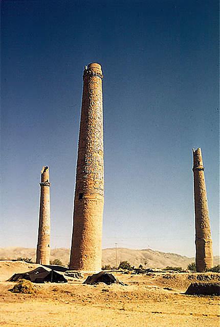 Minarets près de la ville d'hérat