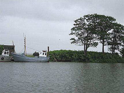 Bateaux de pèche dans la presqu'ile de Courlande