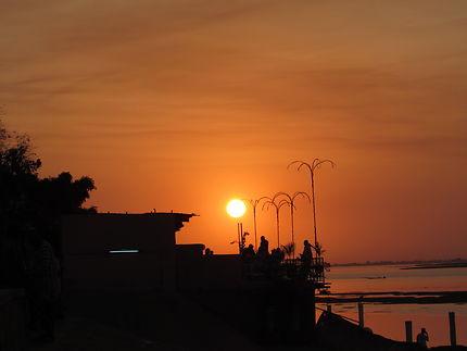 Coucher de soleil sur le fleuve Niger