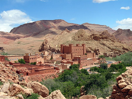 route vers gorges du dad s village ouarzazate et les oasis du sud maroc. Black Bedroom Furniture Sets. Home Design Ideas