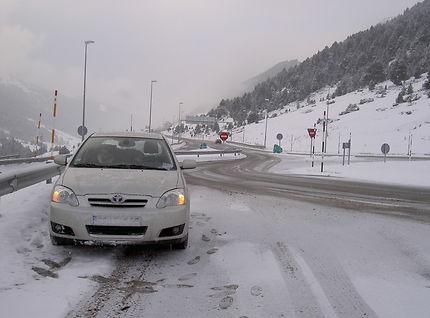 Col d'Envalira à Andorre sous la neige
