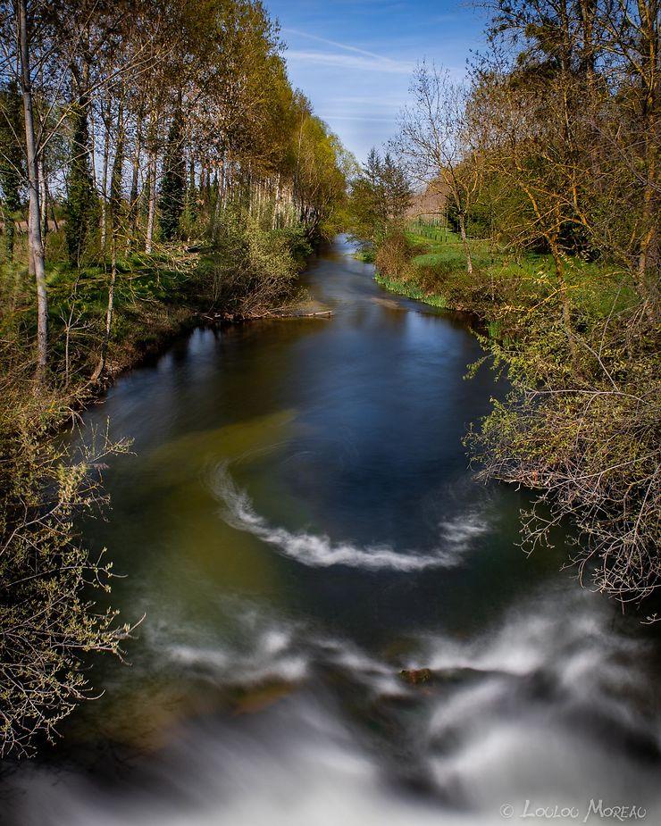 La rivière Dive près du village de Douvy, Maine-et-Loire