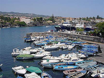 Le port d'Ognina