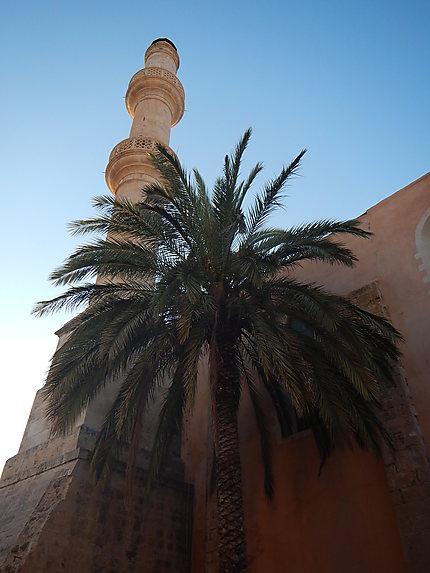 """Minaret """"Houghiar Tzamissi"""""""