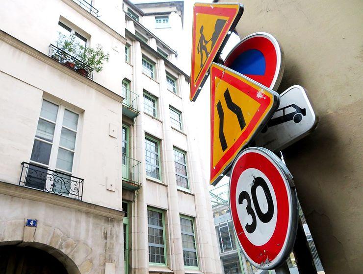 Les panneaux. Paris humour ?