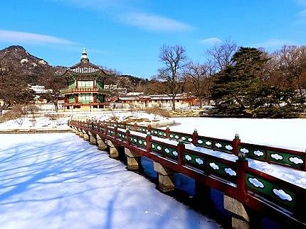 Gyeongbokgung Palace in winter