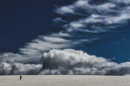 Marche vers le ciel, randonnée sur le sentier Skal