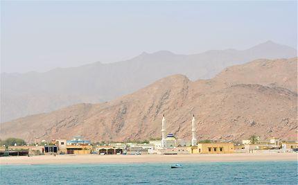 Dibba, entre sable et eau