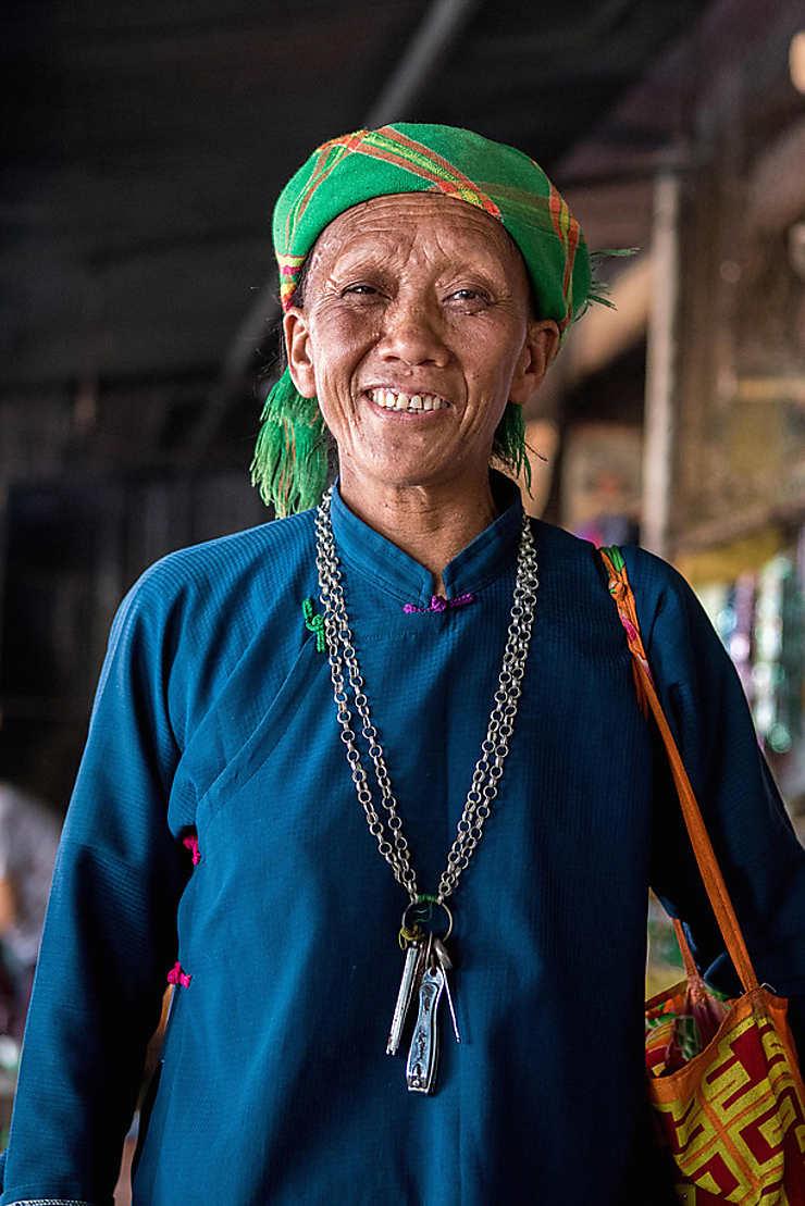 Femme âgée d'une ethnie montagnarde