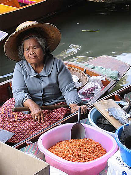 Au marché flottant de Damnoen Saduak