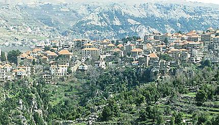 Hasroun, la village rose