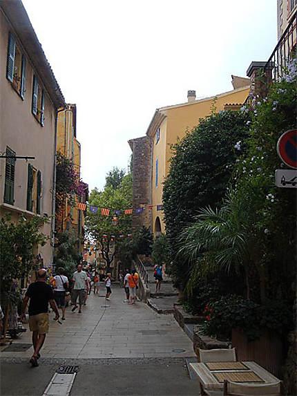Promenade dans les rues du vieux village