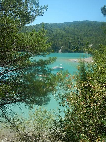 Eaux turquoises de la baie des Moulettes