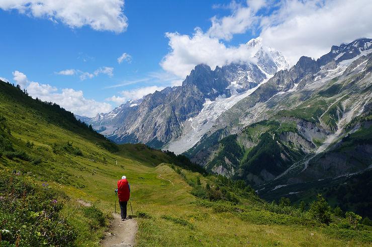 Le tour du Mont-Blanc, panorama grand angle - Alpes / Italie / Suisse