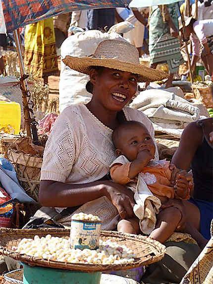 Jeune femme et son bébé