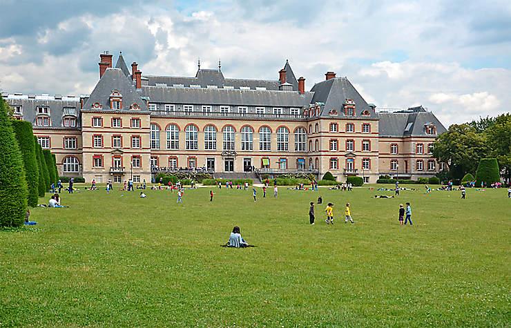 La Cité internationale universitaire, une tour de Babel à Paris