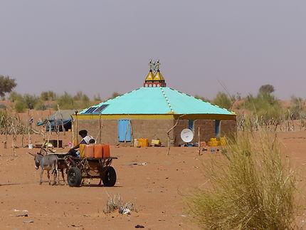 Habitation sur la route entre Rosso et Kaebi