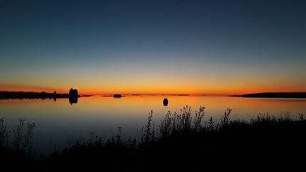 Lever de soleil sur l'océan arctique