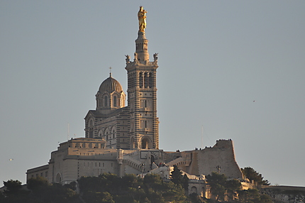 Notre-Dame-de-la-Garde au coucher du soleil