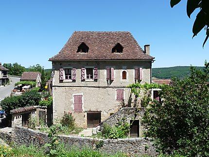 Maison ancienne du village de Saint -Cirq Lapopie