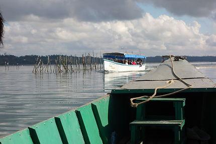Traversée du lac Ampitabe, Madagascar