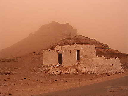 Le Vieux Ksar sous un vent de sable