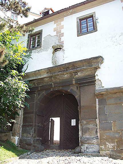 Porte principale du château