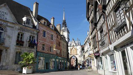 Centre ville d'Auxerre - Tour de l'Horloge