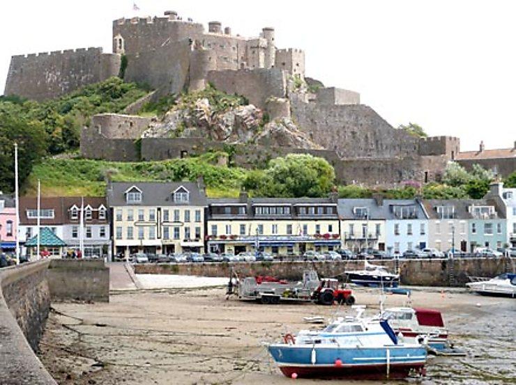 Forts et forteresses... pour dormir cosy
