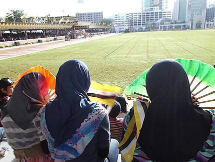 Dans les tribunes lors du National Day