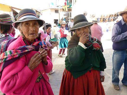 Sourires de mamies à Cotahuasi