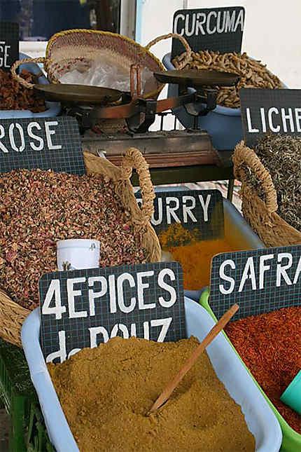 Epices au marché de Douz