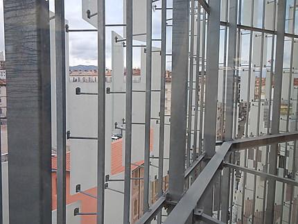 Structure de la façade du FRAC PACA