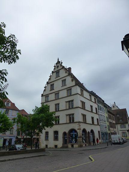 Bâtisse blanche à Colmar