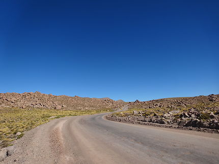 Désert de pierres, geyser du Tatio, Chili