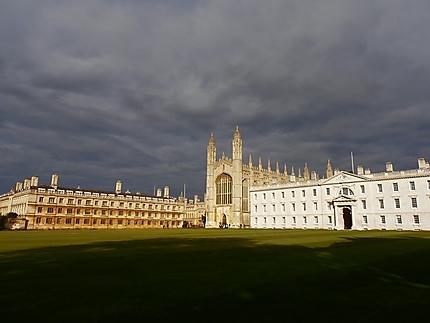 King's College et ciel d'orage