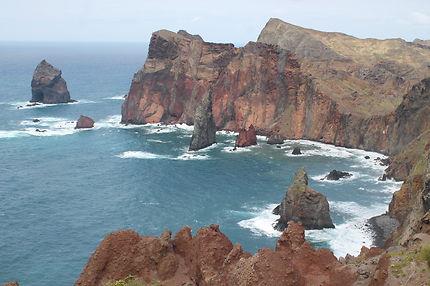 Des falaises sur l'île de Madère