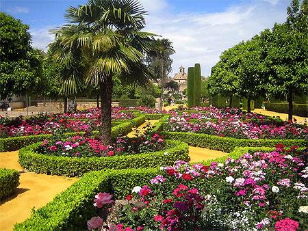 Jardins de l 39 alcazar ch teaux alc zar de los reyes for El jardin de l abadessa