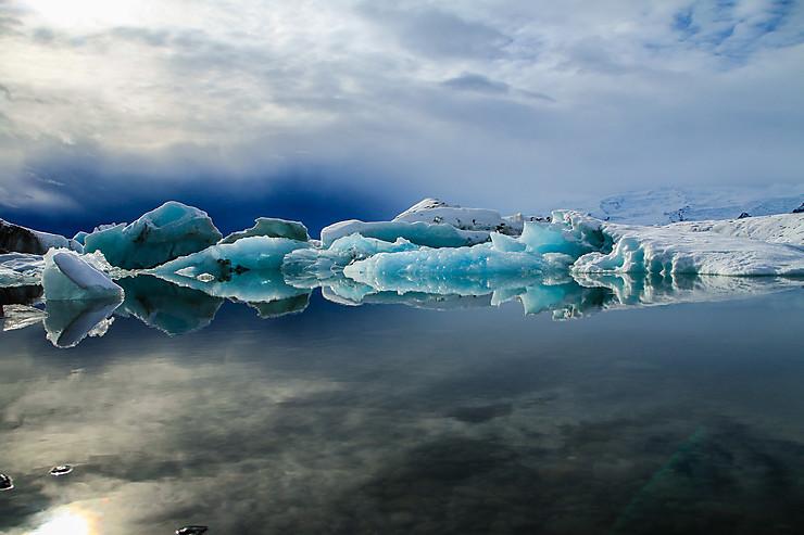 Reflet glaciaire au Jökulsarlón, Islande
