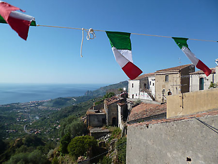 Savoca, un village en balcon sur la mer