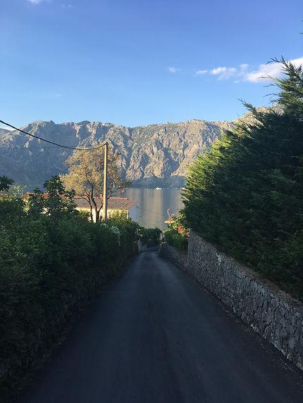 Sur la route à Kotor, Monténégro