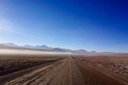 Brouillard matinal à San Pedro de Atacama, Chili