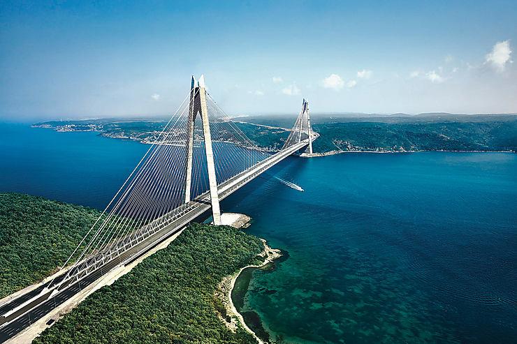 Turquie - Un nouveau pont sur le Bosphore