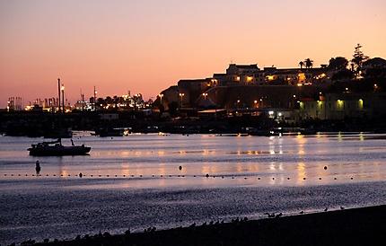 La baie de Sines - vue de nuit
